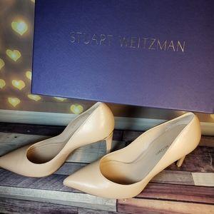 NWOT STUART WEITZMAN nude heels pointed toe gold